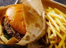 10 vrst hrane, ki te močno postarajo